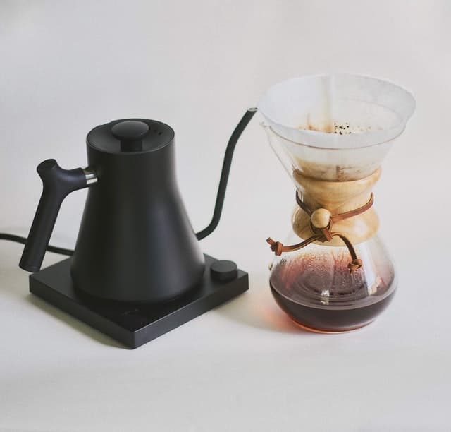 what to look for in an electric gooseneck kettle