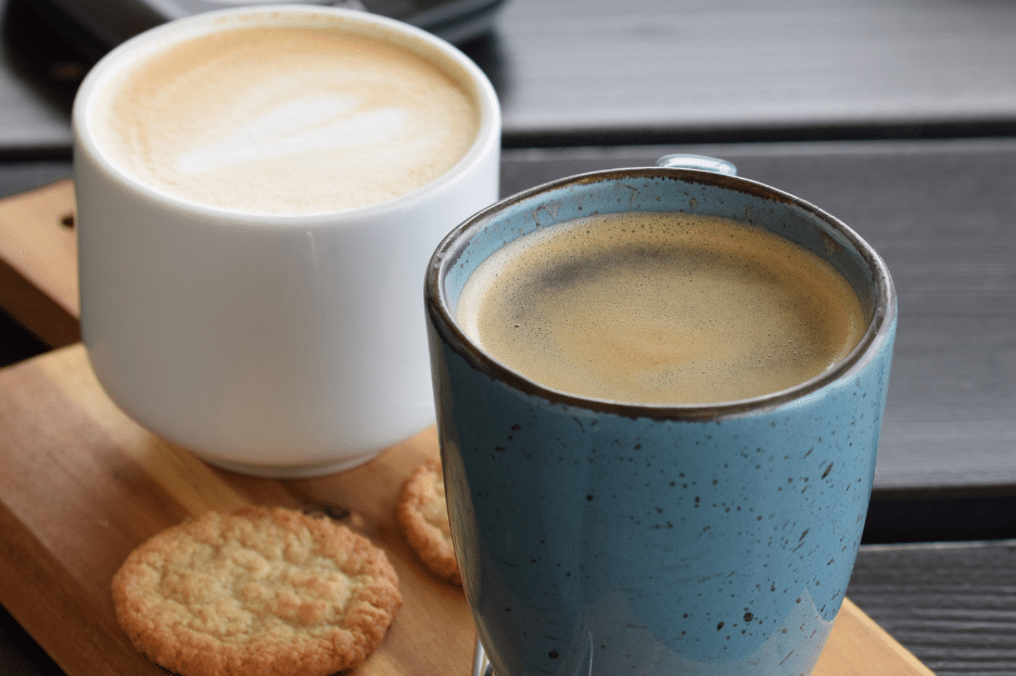 difference between light roast and dark roast coffee